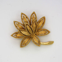 Morecambe, Pam Bradley, Pumjum, Jewellery, vintage, handmade, cumbria, retro, costume jewellery, The Jewllery parlour, lancashire, vintage, flower, brooch, avon, goldtone