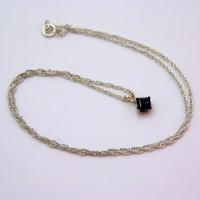 iolite necklace, pam bradlet, the jewellery parlour, pumjum, lancashire, morecambe, cumbria, necklace, semi-precious gemstone